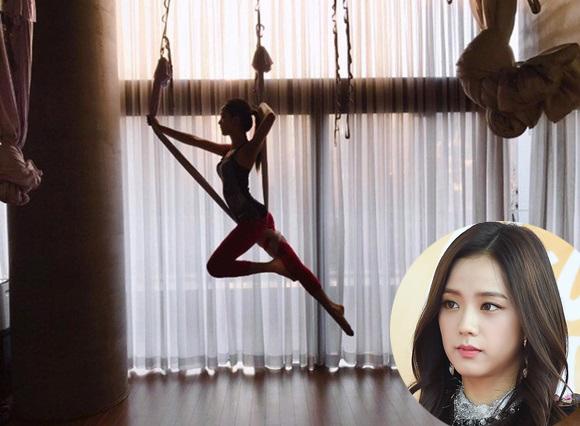 sao-han-nguoi-khoe-dang-sexy-ke-kho-so-khi-tap-yoga-1