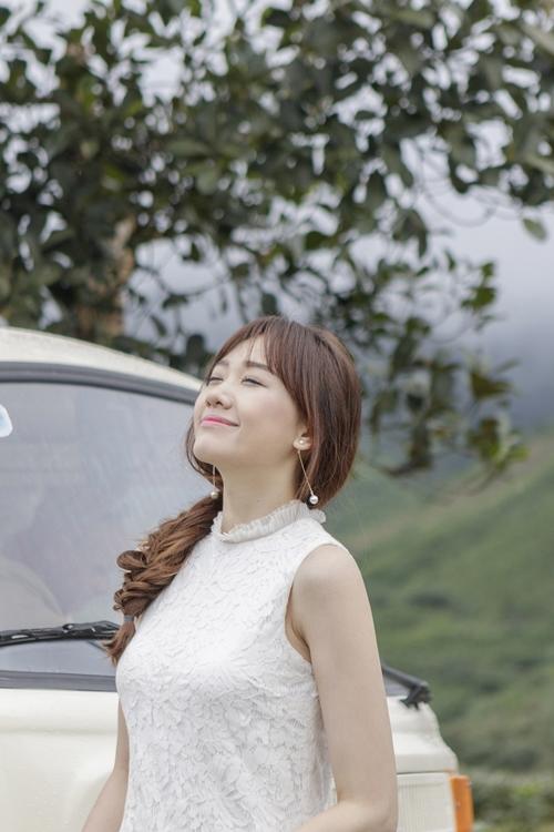 hari-won-tuoi-tan-o-hau-truong-phim-vai-ma-nu