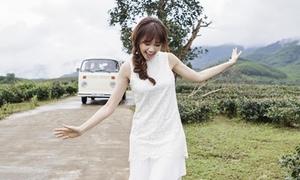 Hari Won đẹp mong manh ở hậu trường phim vai ma nữ