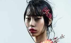 Siêu mẫu Hàn Quốc trở thành 'nàng thơ' của NTK Việt