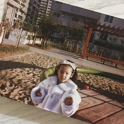 sao-han-1-3-soo-young-min-ho-giong-nhau-nhu-chi-em-sulli-xinh-tu-be-1