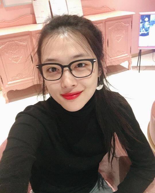 sao-han-3-3-sulli-duoc-khen-khi-mac-kin-yoon-ah-dep-nhu-nu-than-trong-quang-cao-5