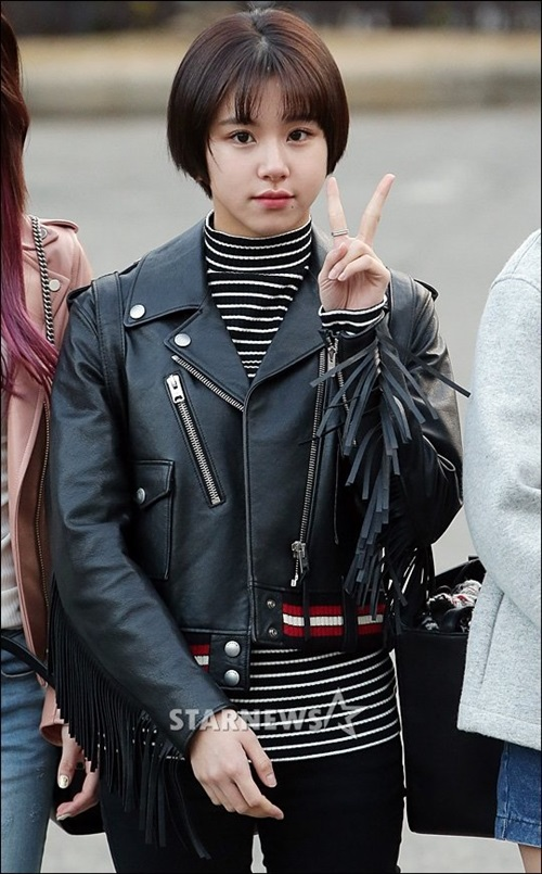 tae-yeon-tre-trung-khong-kem-twice-khi-den-music-bank-6