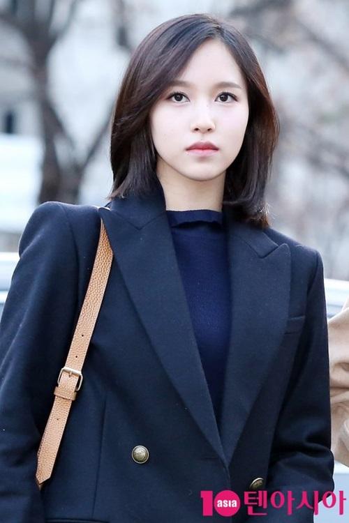 tae-yeon-tre-trung-khong-kem-twice-khi-den-music-bank-10