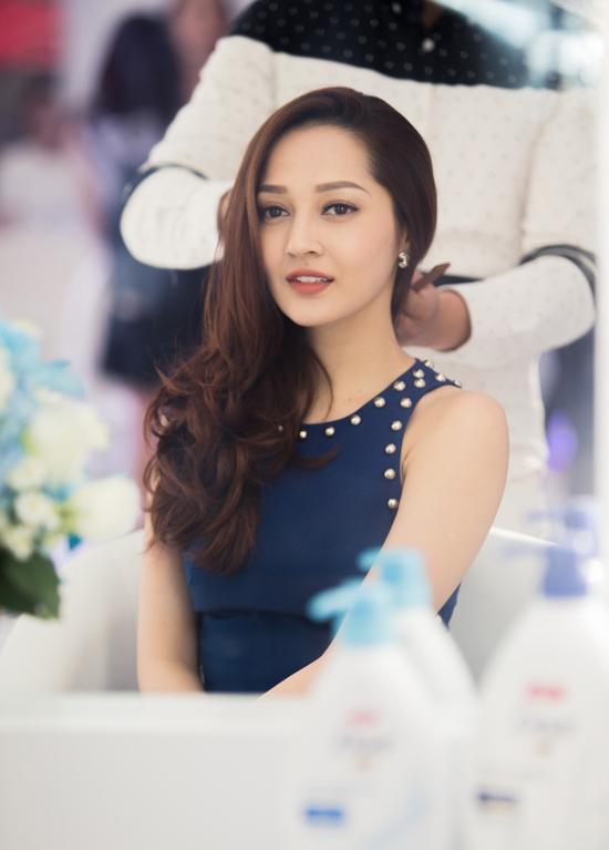 bao-anh-khoe-dang-gon-eo-thon-dep-khong-goc-chet-2