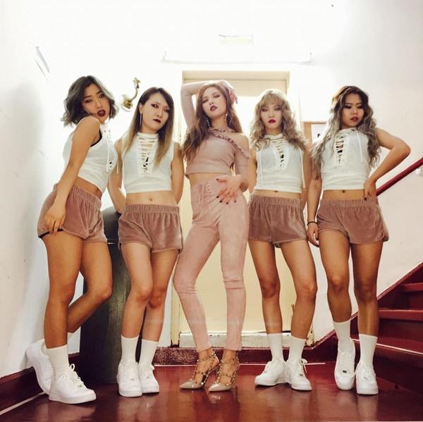 sao-han-5-3-tae-yeon-uon-mai-cong-cute-hyun-ah-khoe-dang-sexy-1