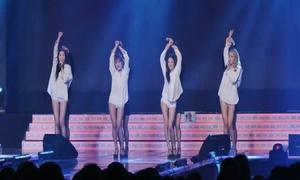 Nhóm nữ Kpop xử lý chuyên nghiệp khi gặp sự cố sân khấu