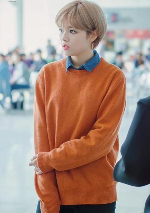 co-nang-tomboy-jeong-yeon-twice-ngay-cang-nu-tinh-nho-nuoi-toc-1