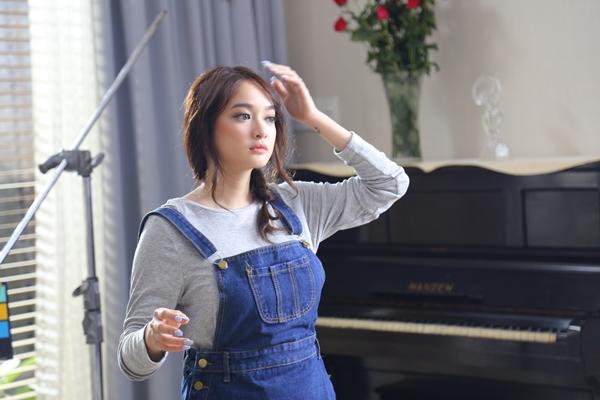 kaity-nguyen-hotgirl-eo-banh-mi-van-cuc-sexy-6