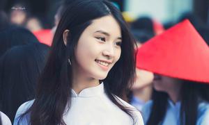 Nữ sinh trường Trưng Vương làm 'lụi tim' các boy vì quá xinh