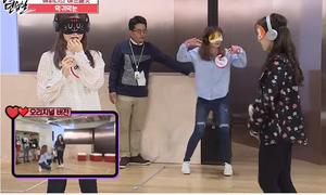Loạt nhóm nữ Kpop thử thách vũ đạo với phiên bản bịt mắt bịt tai