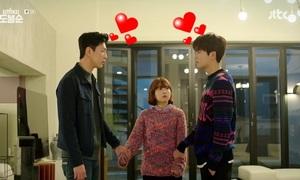 Cặp đôi nam - nam: Gia vị mới của 2 phim Hàn đang hot