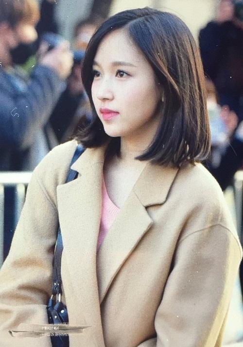 tae-yeon-an-gian-chieu-cao-twice-rang-ro-tren-duong-di-lam-7