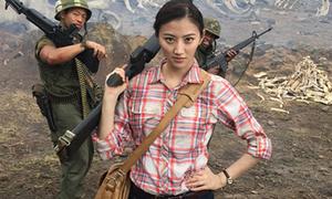 'Bình hoa di động' của 'Kong: Skull Island' bất ngờ nổi tiếng dù diễn dở