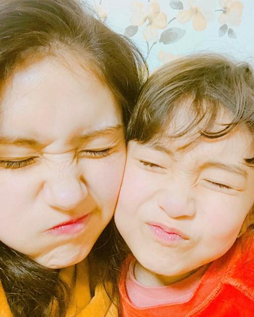 sao-han-12-3-yuri-mat-xinh-dang-dep-na-yeon-cuoi-khoe-rang-tho-cute-5