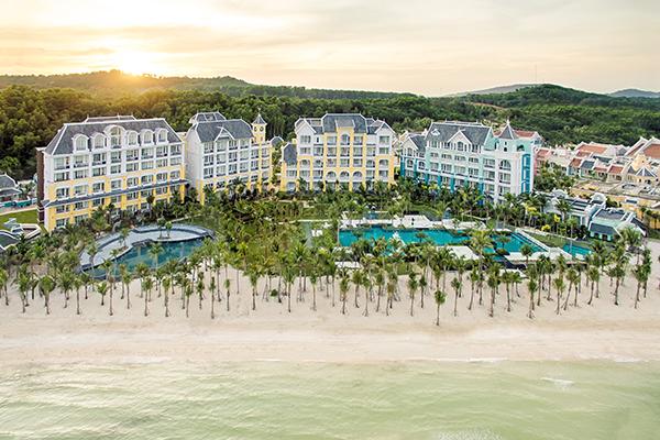 do-manh-cuong-chi-manh-tay-to-chuc-show-o-resort-5-sao