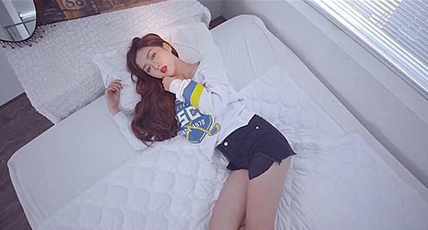 hot-girl-toc-tim-co-giong-hat-nhu-dam-le-gay-sot-vietnams-next-top-model-2