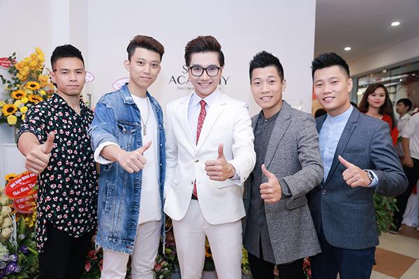 cong-to-len-chuc-ceo-duoc-trang-moon-hon-ma-5