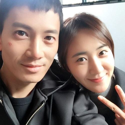 sao-han-16-3-lee-jong-suk-dang-mong-nana-moi-cong-quyen-ru-5