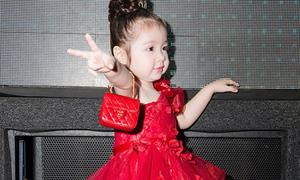 Con gái Elly Trần xách túi Chanel sang chảnh đi tiệc