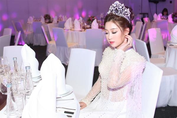 my-linh-gay-thuong-nho-voi-ao-dai-dinh-ngoc-trai-cau-ky-3
