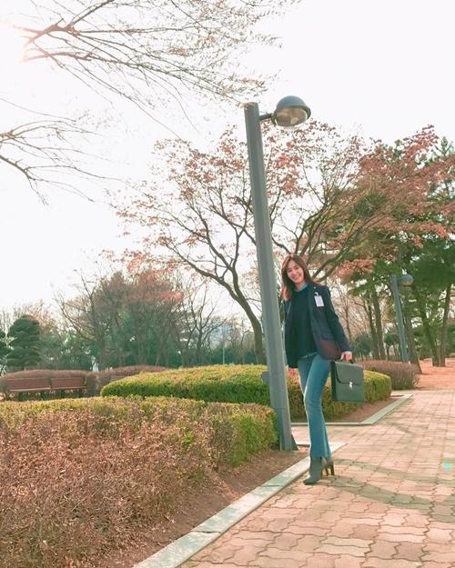 sao-han-18-3-suzy-khoe-dang-mien-che-park-shin-hye-bi-meo-cung-bat-nat-6