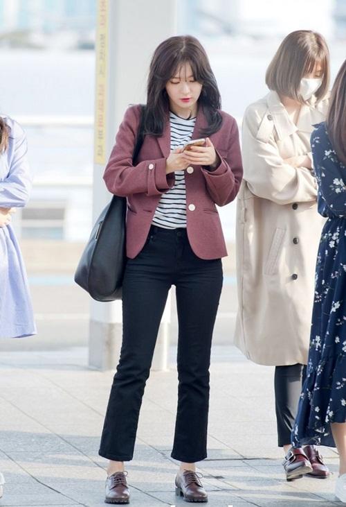 dan-sao-kpop-bien-san-bay-thanh-dia-diem-chup-anh-street-style-1