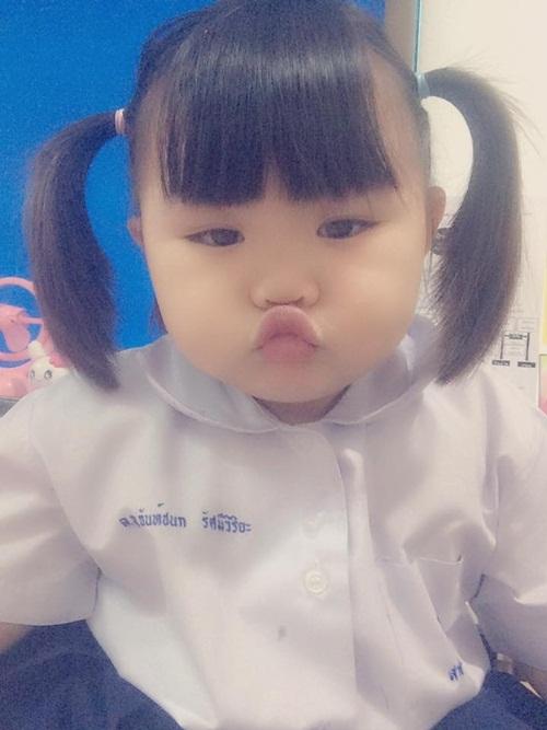 4-co-nhoc-chi-cat-toc-thoi-cung-khien-mang-xa-hoi-xon-xao-9