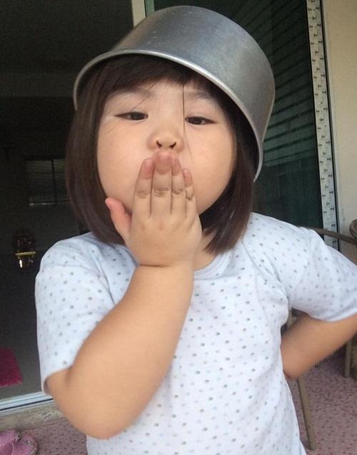 4-co-nhoc-chi-cat-toc-thoi-cung-khien-mang-xa-hoi-xon-xao-10
