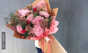 Trai Hàn rộ mốt 'cưa' bạn gái bằng bó hoa khổng lồ