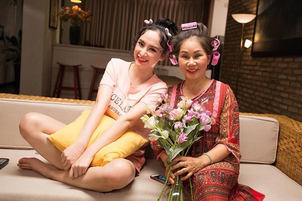 angela-phuong-trinh-hu-bo-me-mang-bau-trong-ngay-ca-thang-tu-1