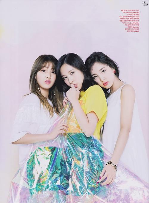 twice-jennie-black-pink-dat-dinh-cao-nhan-sac-tren-tap-chi-thang-4-10