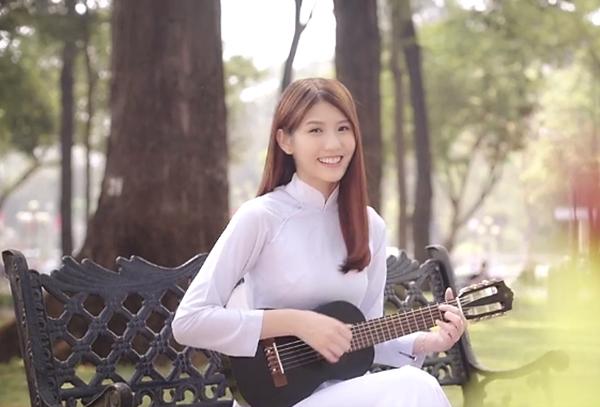 hot-girl-malaysia-bat-ngo-tung-mv-hat-tieng-viet