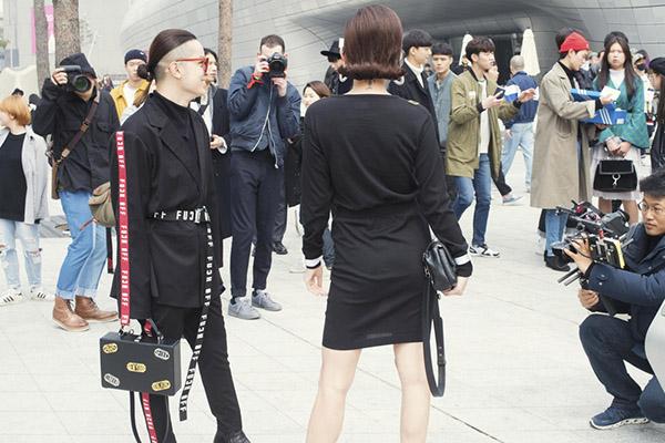 dan-sao-viet-duoc-san-don-khi-chao-san-o-seoul-fashion-week-2