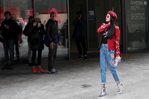 dan-sao-viet-duoc-san-don-khi-chao-san-o-seoul-fashion-week-7
