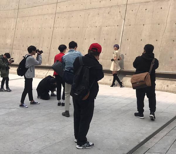 dan-sao-viet-duoc-san-don-khi-chao-san-o-seoul-fashion-week-12