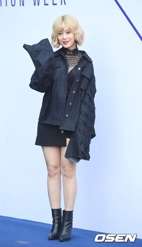 sao-han-make-up-nhu-tay-chon-do-bot-soc-o-seoul-fashion-week-1