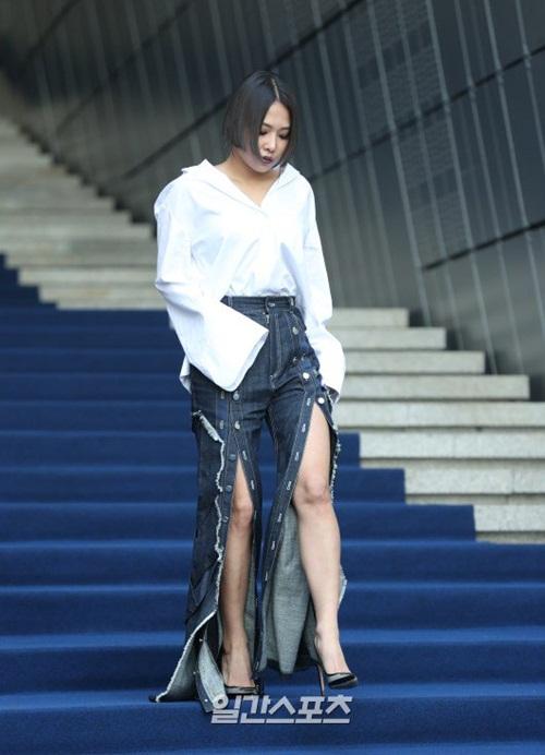 sao-han-make-up-nhu-tay-chon-do-bot-soc-o-seoul-fashion-week-9