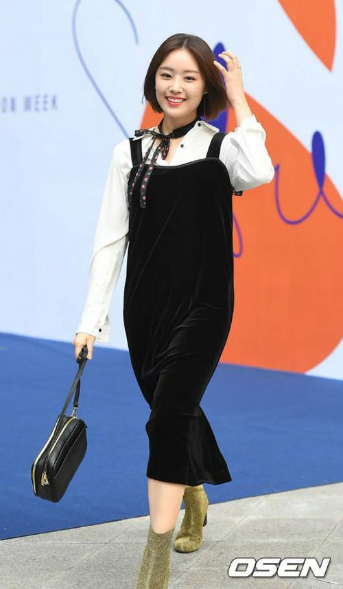 sao-han-make-up-nhu-tay-chon-do-bot-soc-o-seoul-fashion-week-7