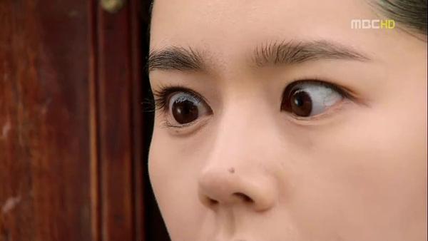 nhung-my-nhan-han-len-phim-la-tron-mat-doa-khan-gia-1