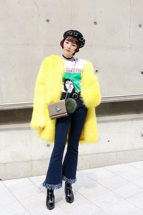 trang-phuc-tam-trieu-dang-tai-seoul-fashion-week-duoc-hoa-si-quoc-te-phac-hoa-3