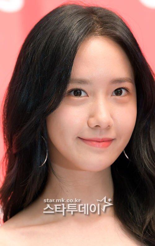 yoon-ah-khong-son-phan-van-dep-xuat-sac-o-su-kien-7