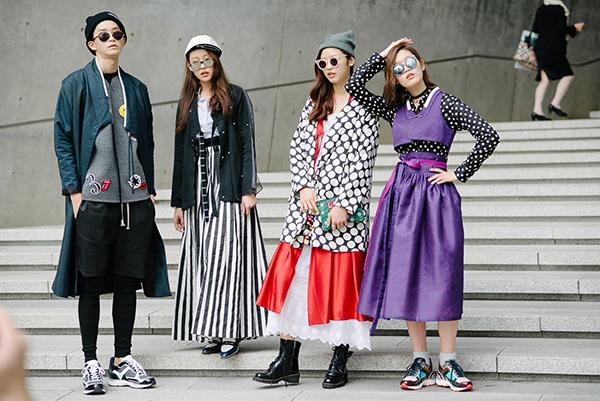 chieu-bai-choi-troi-cua-cac-tin-do-thoi-trang-khi-di-fashion-week-1