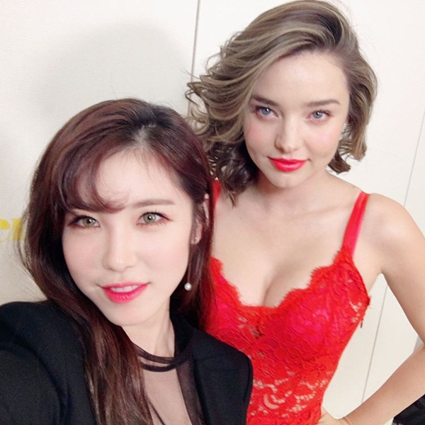 sao-han-5-4-seol-hyun-bi-soi-dang-ngoi-yeri-than-thiet-ben-seul-gi-5