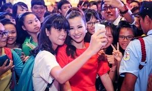 Đông Nhi phủ nhận thuê fan đi cổ vũ tại 'Giọng hát Việt'