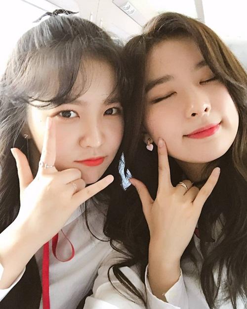 sao-han-5-4-seol-hyun-bi-soi-dang-ngoi-yeri-than-thiet-ben-seul-gi-1
