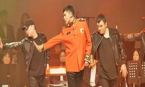 Yun Ho khoe tài nhảy 'đỉnh' với hit của TVXQ trong quân ngũ
