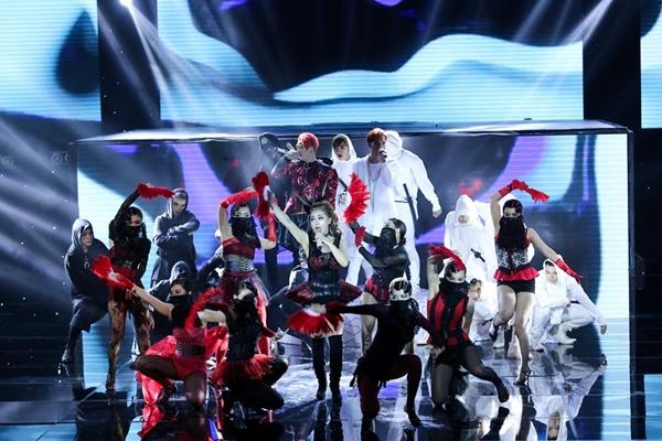 st-vuon-len-dan-dau-the-remix-huong-giang-ngam-ngui-roi-cuoc-choi-4