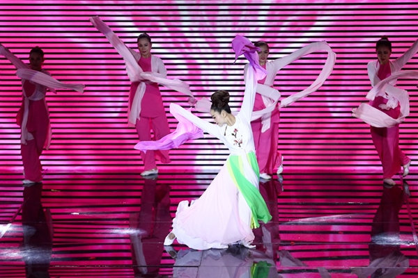 st-vuon-len-dan-dau-the-remix-huong-giang-ngam-ngui-roi-cuoc-choi-6