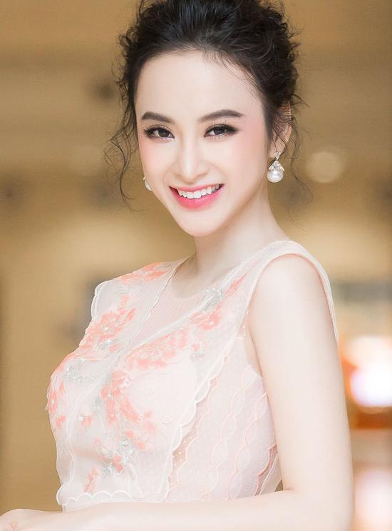 angela-phuong-trinh-khoe-da-trang-non-nhu-bach-tuyet-3